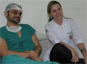 Dr. Ezequiel Thé (anest) E A Dra. Thacira Dantas (Resid Cirurg Vasc-HR Recife)